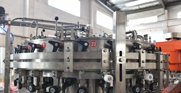 6-cavity-10000bph-bottle-blow-moulding-machine.png