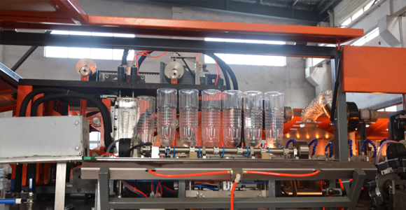 9-cavity-13000bph-bottle-blow-moulding-machine.png